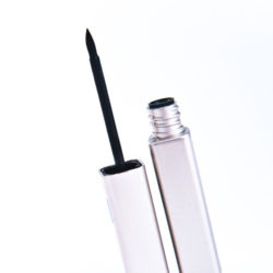 maquillage-liner-cidems